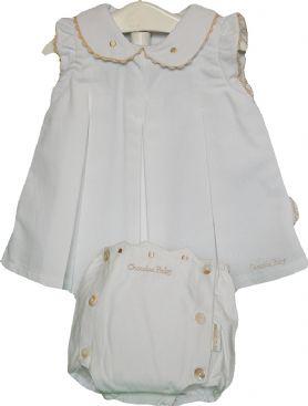 Conjunto faldón y cubre-pañal blanco y beige