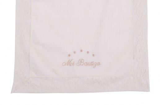 Pañuelo para bautizo, bordado, tres colores.